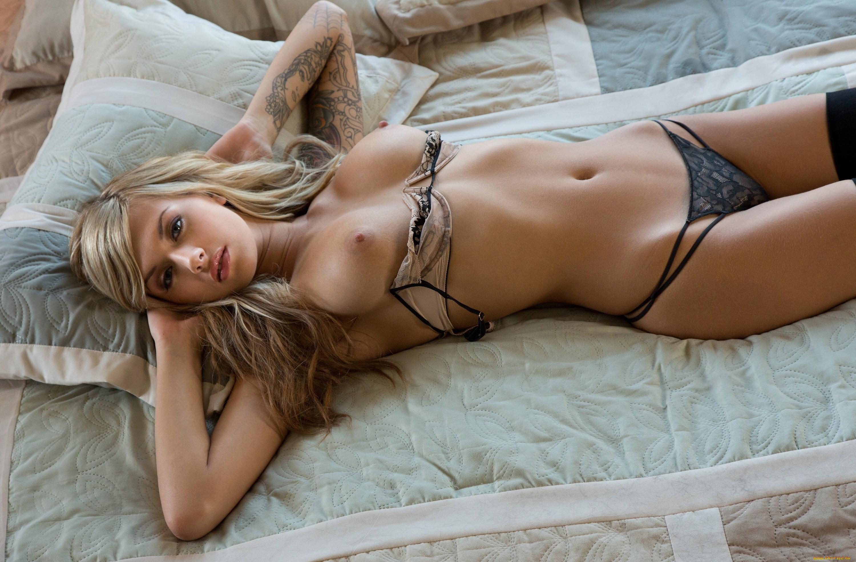 Hot hot naked erotic navy babes